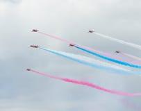 红色在塔林海湾上的箭头英国皇家空军特技显示在23 06 2014年 免版税图库摄影