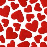 红色在白色背景隔绝的毛毡心脏 免版税库存照片