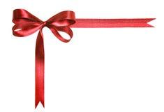 红色在白色背景隔绝的织品丝带和弓 免版税库存照片