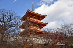 红色塔在京都,日本 库存照片
