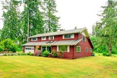 红色墙板房屋板壁房子 免版税库存图片