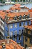 红色屋顶在老波尔图,葡萄牙 免版税库存照片