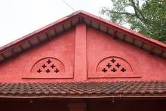 红色屋顶房子Chantaburi,泰国 免版税库存照片