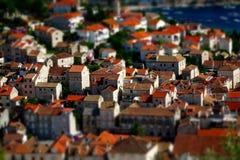 红色屋顶赫瓦尔岛镇(赫瓦尔岛海岛克罗地亚) 库存照片