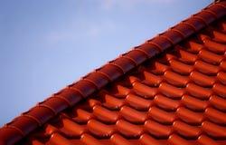 红色屋顶顶层 库存照片