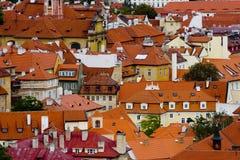 红色屋顶 库存照片