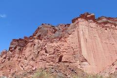 红色岩石墙壁 免版税图库摄影