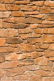 红色岩石墙壁 免版税库存图片