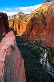 红色岩石山在宰恩国家公园,犹他 免版税库存图片
