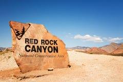 红色岩石峡谷标志 库存照片