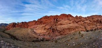 红色岩石峡谷的一个全景图象 图库摄影