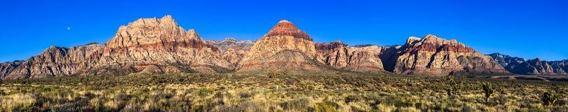 红色岩石峡谷高分辨率全景 库存图片
