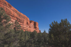 红色岩石峭壁风景 库存照片
