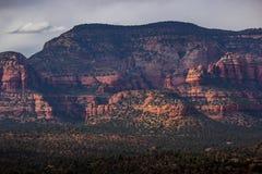 红色岩石秘密山野荒地 免版税库存图片