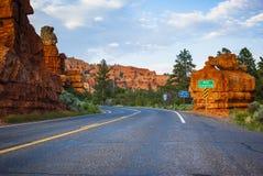 红色峡谷和犹他高速公路12 免版税图库摄影
