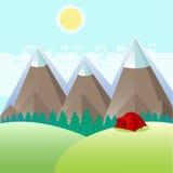红色帐篷在山附近的一块森林沼地 库存图片