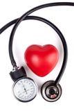 红色心脏和听诊器 免版税库存照片