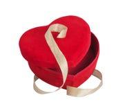 红色心脏和金黄丝带 免版税图库摄影