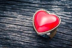 红色心脏圆环 库存照片