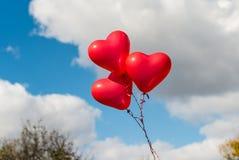 红色心脏迅速增加户外 库存图片