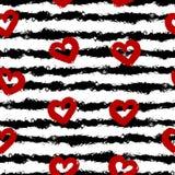 红色心脏,黑条纹 污迹刷子,白色背景 无缝的模式 向量例证