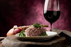 红色意大利煨饭酒 库存照片