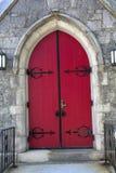 红色成拱形门,黑铁器,石教会, Keene,新的Hamps 图库摄影