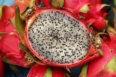红色成熟pitaya或pitahaya龙果子关闭 库存照片