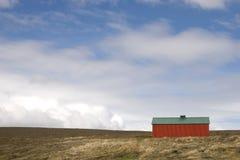 红色房子在冰岛 库存图片
