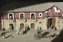 红色房子在圣地亚哥de智利 图库摄影