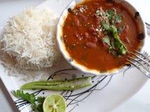 红色扁豆小汤用米印地安烹调 免版税库存照片