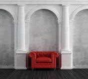 红色扶手椅子在豪华经典家 免版税库存照片