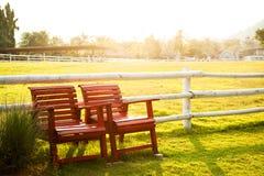 红色扶手椅子 库存图片