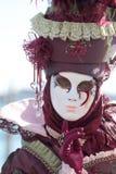 红色掩没了夫人在威尼斯狂欢节  免版税库存图片