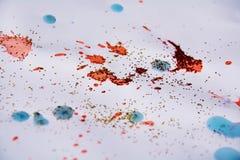红色斑点构造,给五颜六色的冬天背景打蜡 免版税库存照片