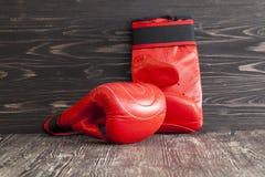 红色新的拳击手套 库存图片