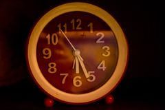 红色时钟 库存图片