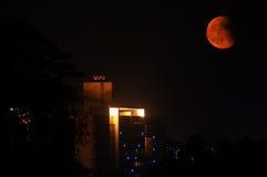 红色月亮和表面结构 库存图片