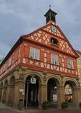 红色木构架的大厦在Esslingen,德国 免版税库存图片