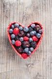 红色果子的心脏 免版税库存图片