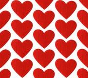 红色毛毡心脏无缝的样式 重点 库存图片