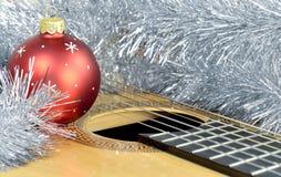红色气球吉他 免版税图库摄影