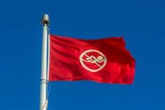 红色没有游泳旗子 图库摄影