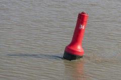 红色浮体作为运输的一个标志 免版税库存照片