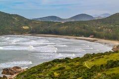 红色海滩(普腊亚Vermelha), Imbituba,巴西 图库摄影