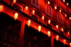 红色灯笼在晚上 免版税库存照片