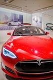红色特斯拉模型S70电车 图库摄影