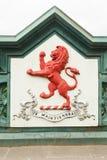 红色狮子徽章 免版税库存照片