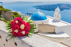 红色玫瑰婚礼花束 免版税图库摄影