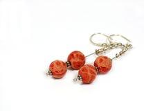 红色珊瑚的耳环 免版税库存图片